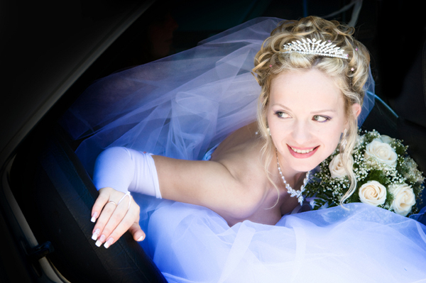 bride in Radiotaxi Hellas